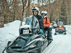 В горах Сочи можно покататься на снегоходах